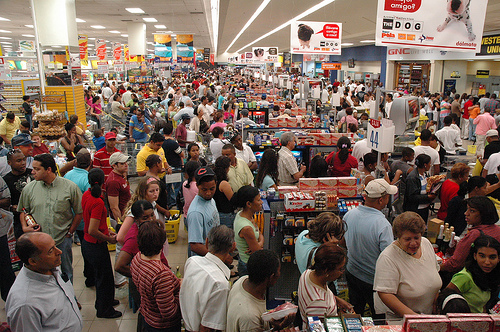 gente-comprando