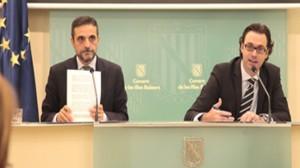 El conseller d'Hisenda i Pressuposts, José Vicente Marí, i el director general de Pressuposts i Finançament, Antoni Costa (Foto IB3 Ràdio)
